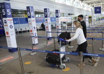 Se ampliará el cupo diario de regreso de argentinos que viajaron al exterior